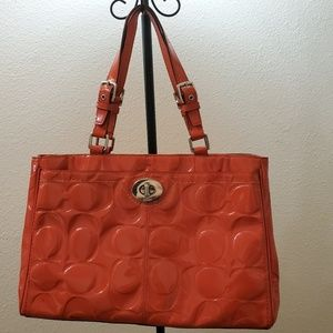 COACH • Coral/pink Patent Leather Carryall Purse😍